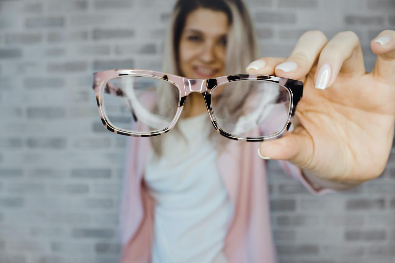 How do I Choose the Right Eyeglass Lenses?